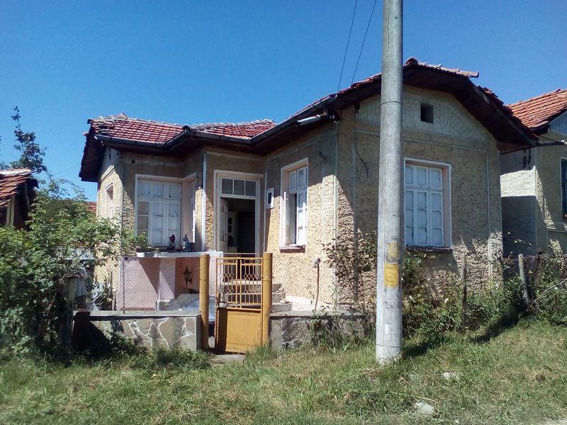 Къща до река в Троянския балкан Гумощник